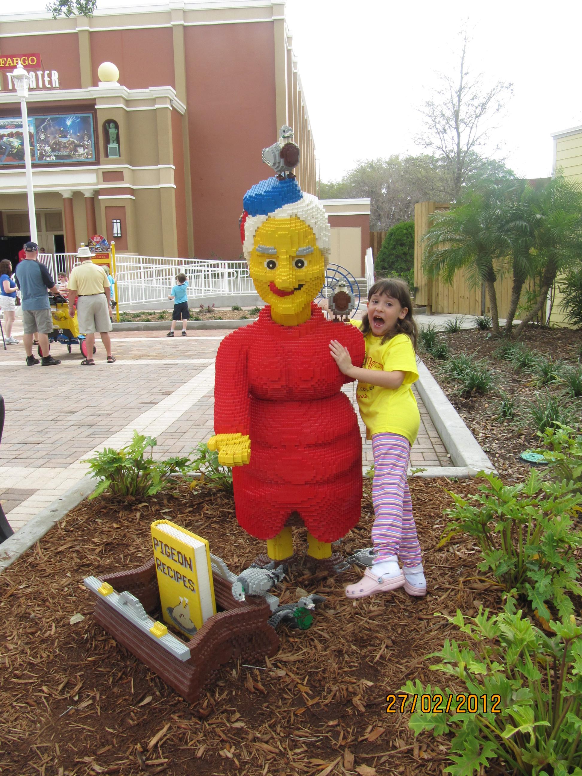 Assustando a vovó de LEGO