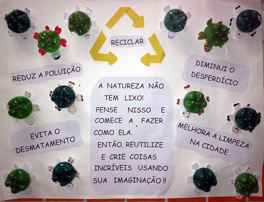 Cartaz feito pela turma da Amanda, cheio de tartaruguinhas.