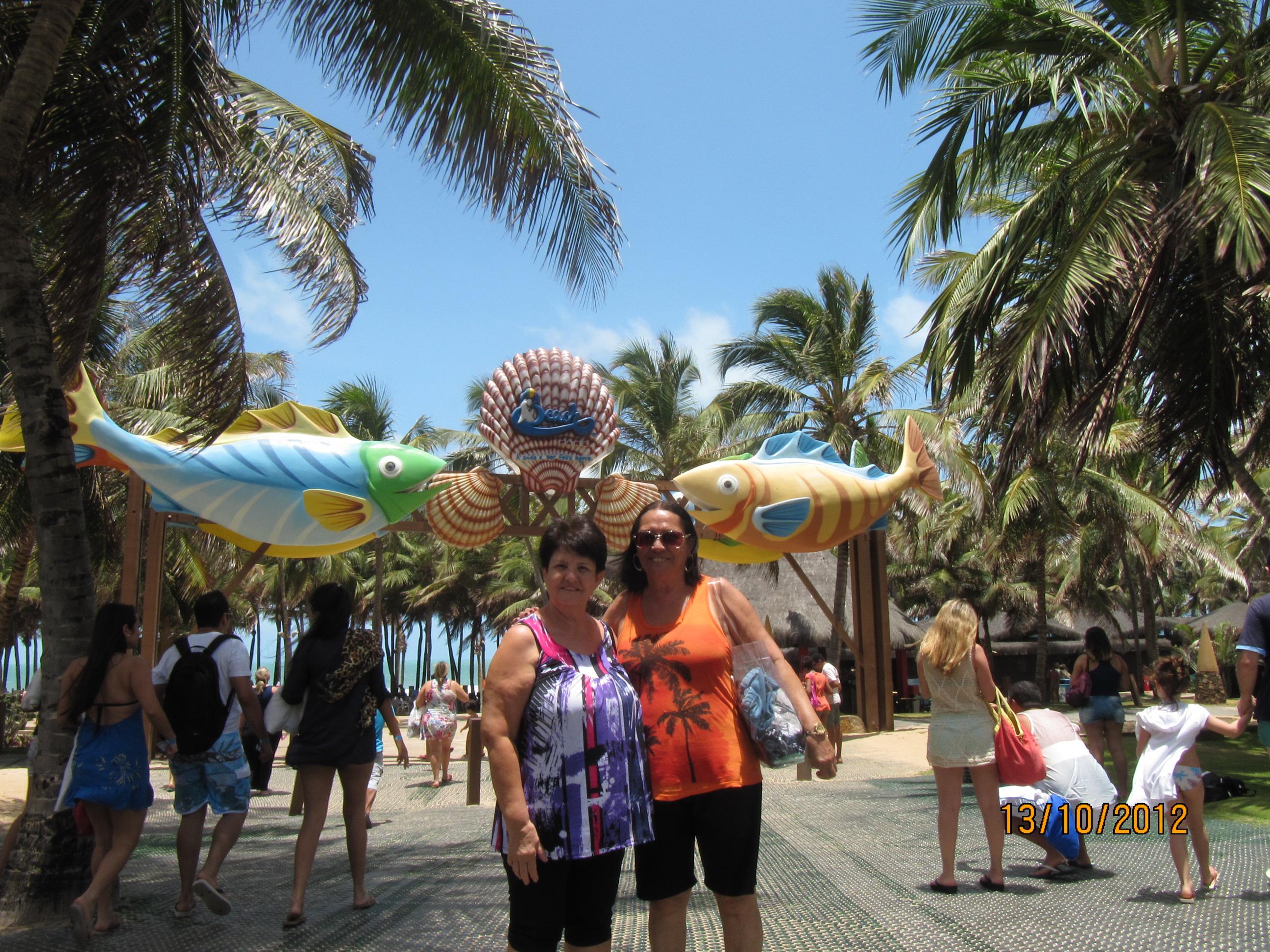 As vovós na entrada do Beach Park