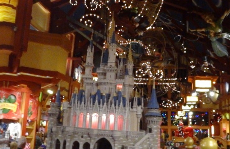 Detalhe da maior loja da Disney de Orlando