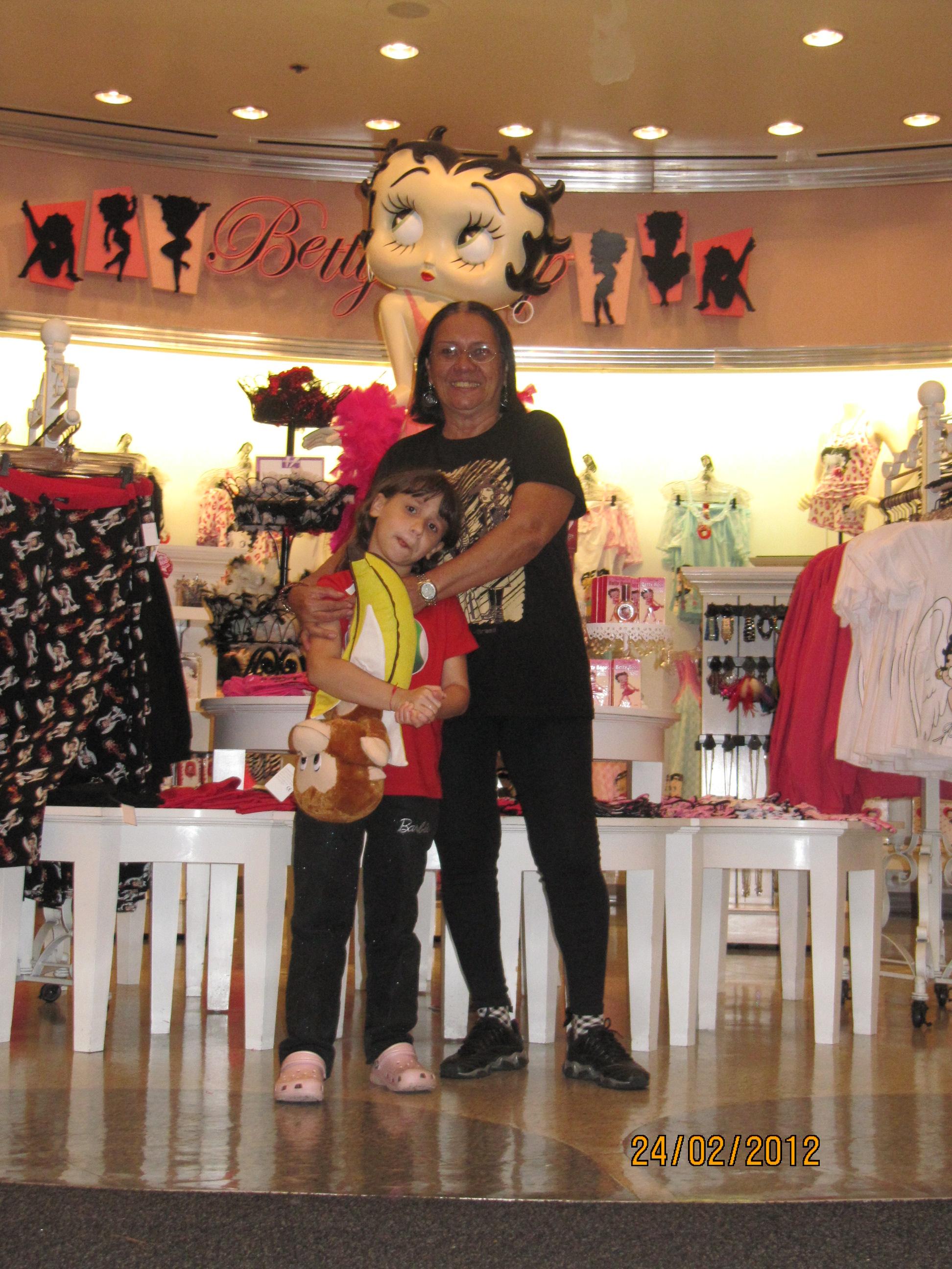 Na maior loja da Betty Boop do mundo