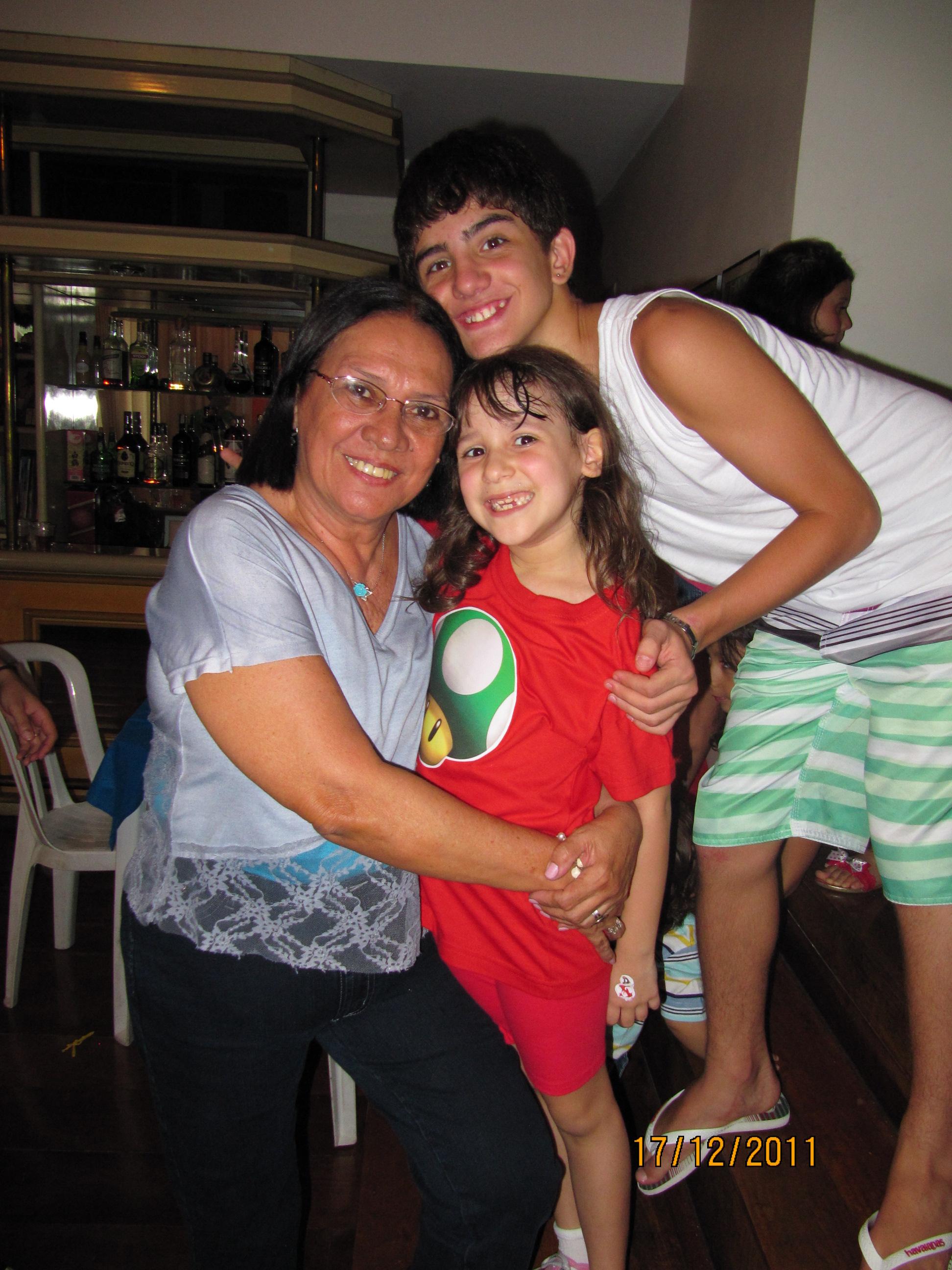 Vovó Lulu com Pedro e Amanda