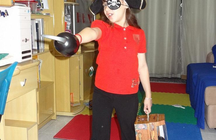 Nossa pirata da perna de pau!