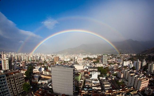 Primeiro foi o lindo arco-íris que brindou o nosso dia especial...