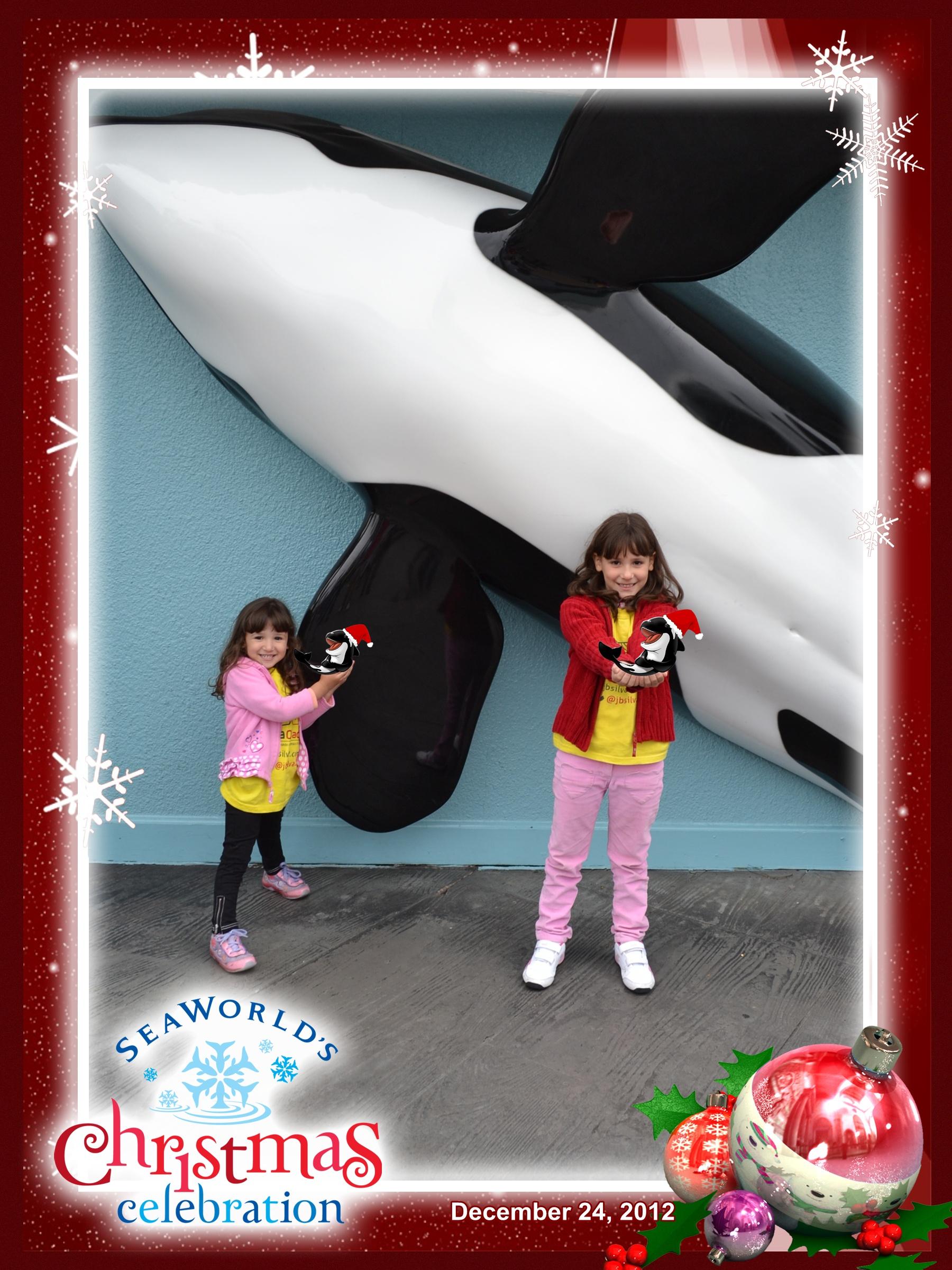 Sea World: Amanda e Letícia em frente à Shamu, segurando as Shamuzinhas